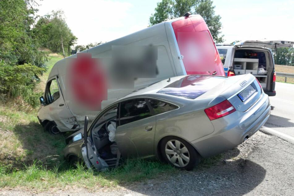 Chemnitz: Zwei Verletzte bei schwerem Unfall auf B95