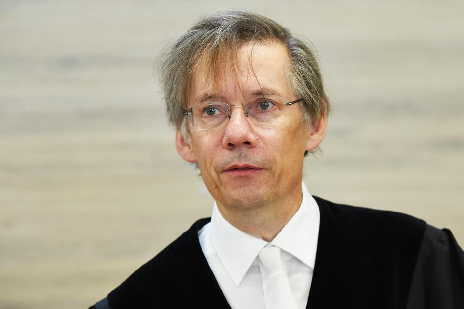 Chef-Richter Hans Schlüter-Staats (58) und seine Kammer wollen 19 Zeugen in der Sache hören.