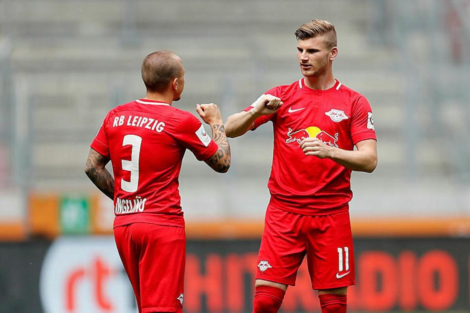 Timo Werner (r.) verabschiedete sich mit zwei Toren von RB Leipzig.