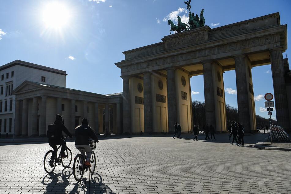 Am Mittwoch sollen die Temperaturen in Berlin und Brandenburg auf bis zu 24 Grad klettern.