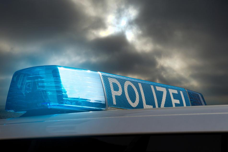 Die Polizei ermittelt nun gegen den 42-jährigen Mann wegen sexuellen Missbrauchs von Kindern. (Symbolbild)