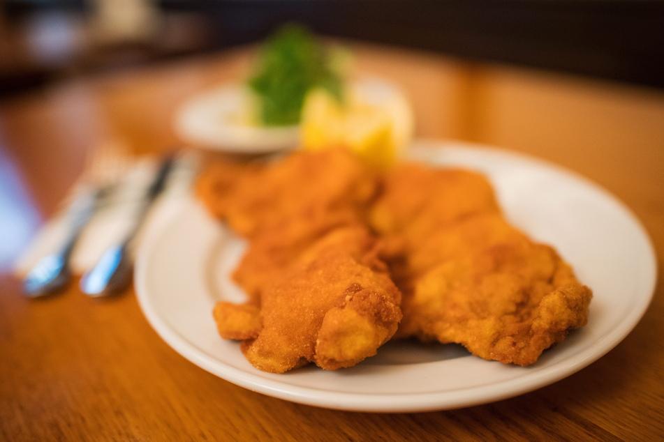Dreist, hungrig, aber nicht schlau: Schnitzel-Diebe schlagen dreifach zu