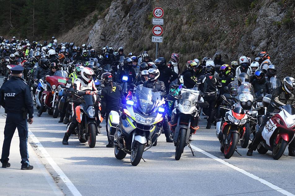 Biker-Demo gegen Fahrverbot am Wochenende