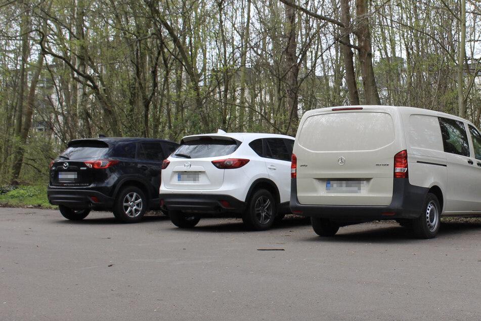An der Anton-Bruckner-Allee/Nonnenweg wurden zwei gestohlene Mazda CX5 gefunden. Am schwarzen fand sich eine DNA-Spur.