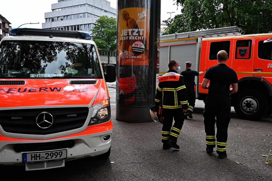 Die Feuerwehr unterstützte die Einsatzkräfte am Tatort.