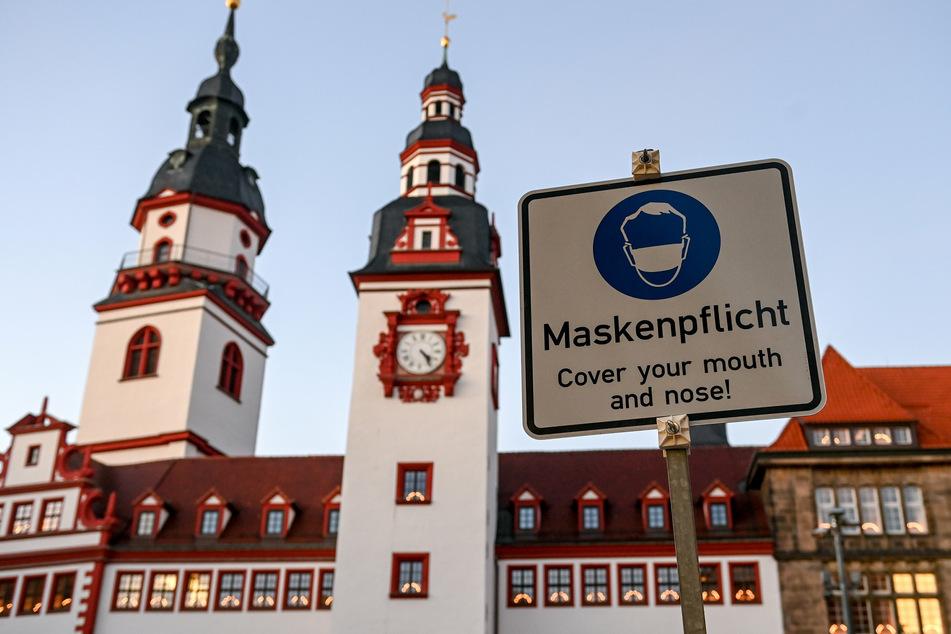 Die Maskenpflicht in der Chemnitzer Innenstadt wird in den kommenden Tagen schärfer kontrolliert.