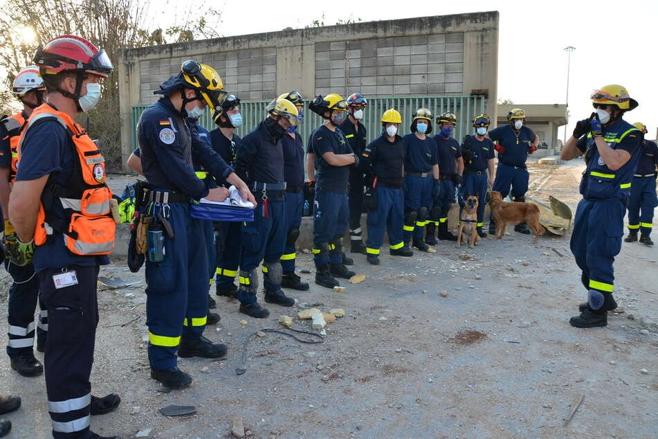 Einsatzkräfte des Technischen Hilfswerks (THW) nach der verheerenden Explosion im Hafen der libanesischen Hauptstadt Beirut.