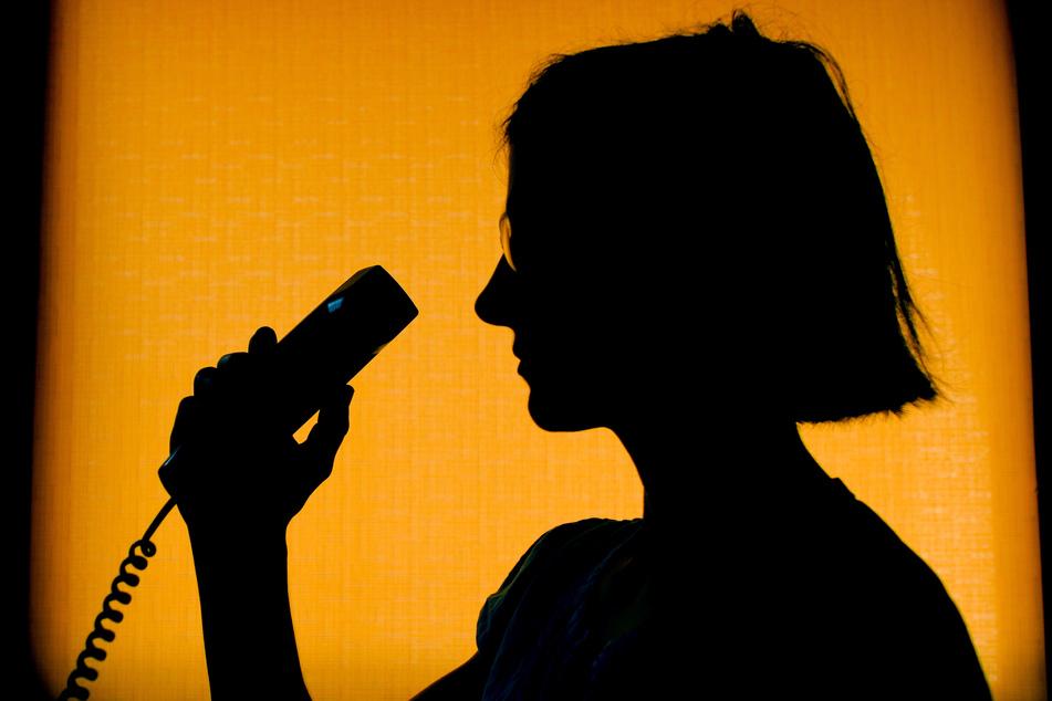 Fiese Betrugsmasche: Anrufer planen Hausbesuche bei Pflegebedürftigen