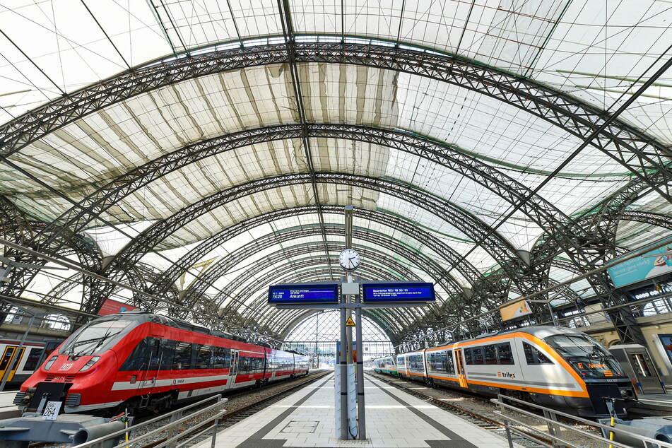 Das Hauptbahnhofs-Dach hat Risse, drei Jahre lang wird es komplett ausgetauscht.