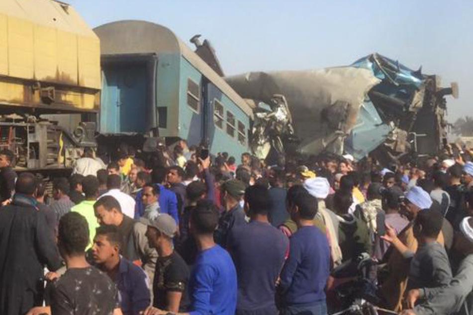 Zwei Züge krachen ineinander: 32 Tote, mehr als 60 Verletzte!