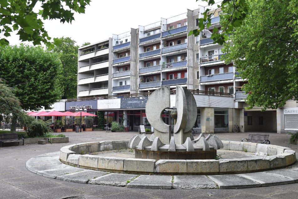 Die Vonovia-Platten am Neustädter Markt werden saniert, für den städtischen Brunnen fehlen noch Lösungsansätze.