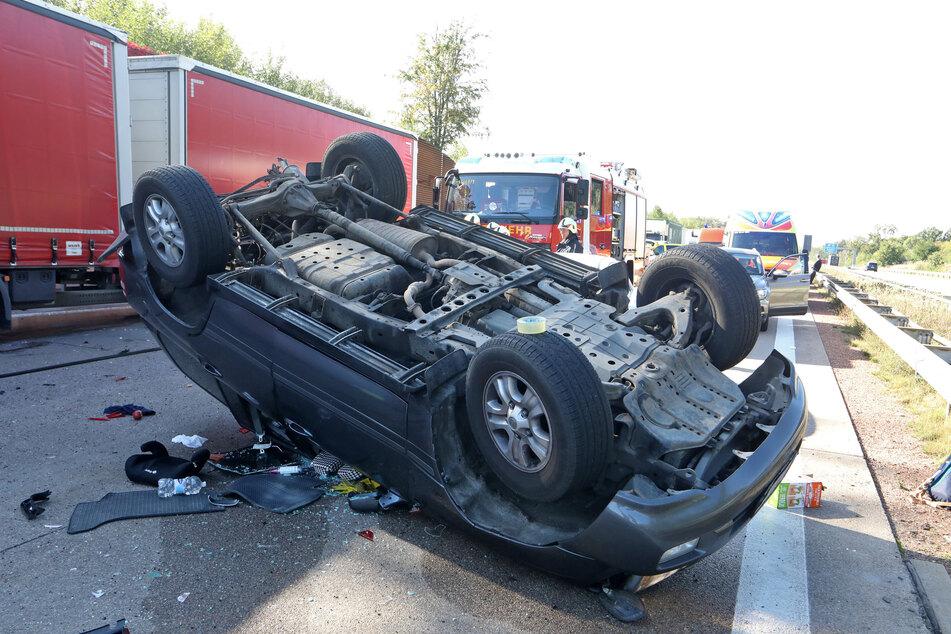 Ein Toyota überschlug sich bei dem Unfall, die Insassen wurden verletzt.