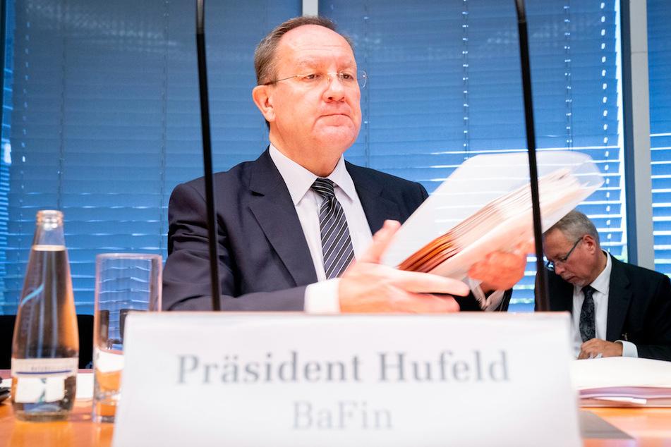 Felix Hufeld, Präsident der Bundesanstalt für Finanzdienstleistungsaufsicht (BaFin) nimmt an der Sondersitzung des Finanzausschusses im Bundestag teil.