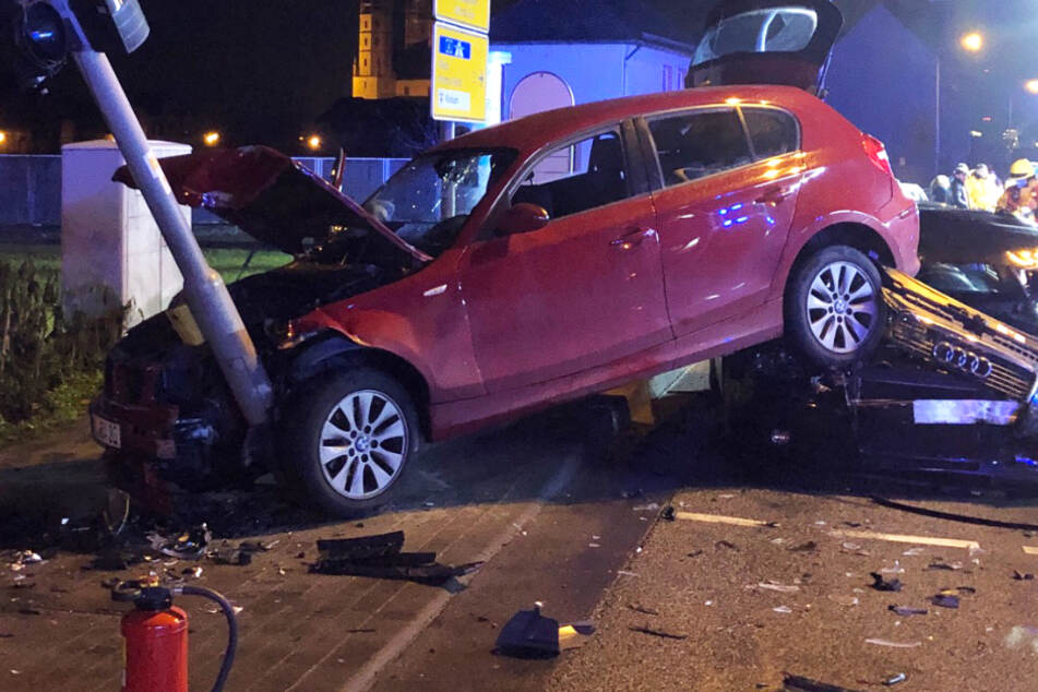 Unfall mit drei Verletzten: Audi-Fahrer (24) stand unter Drogen