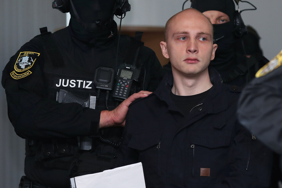 Die Bundesanwaltschaft wirft Stephan Balliet (28) 13 Straftaten vor.