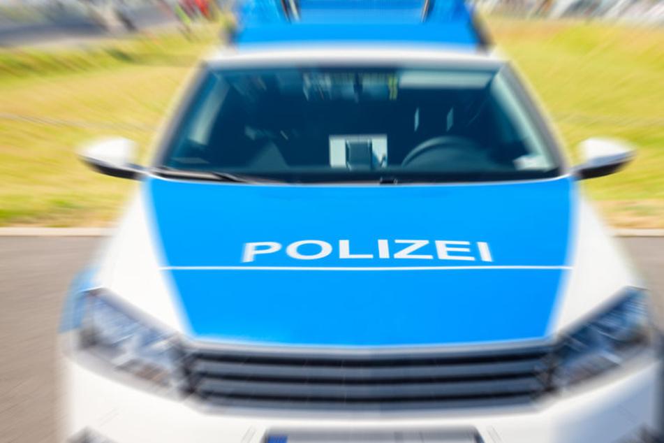 Die Polizei stoppte zwei Jeeps, die als gestohlen gemeldet waren, und nahm beide Fahrer fest. (Symbolbild)