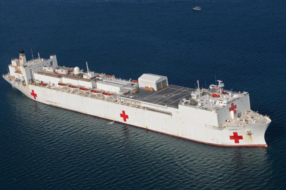 Das Krankenhausschiff der Mercy-Klasse USNS Comfort mit rund 1000 Kabinen.