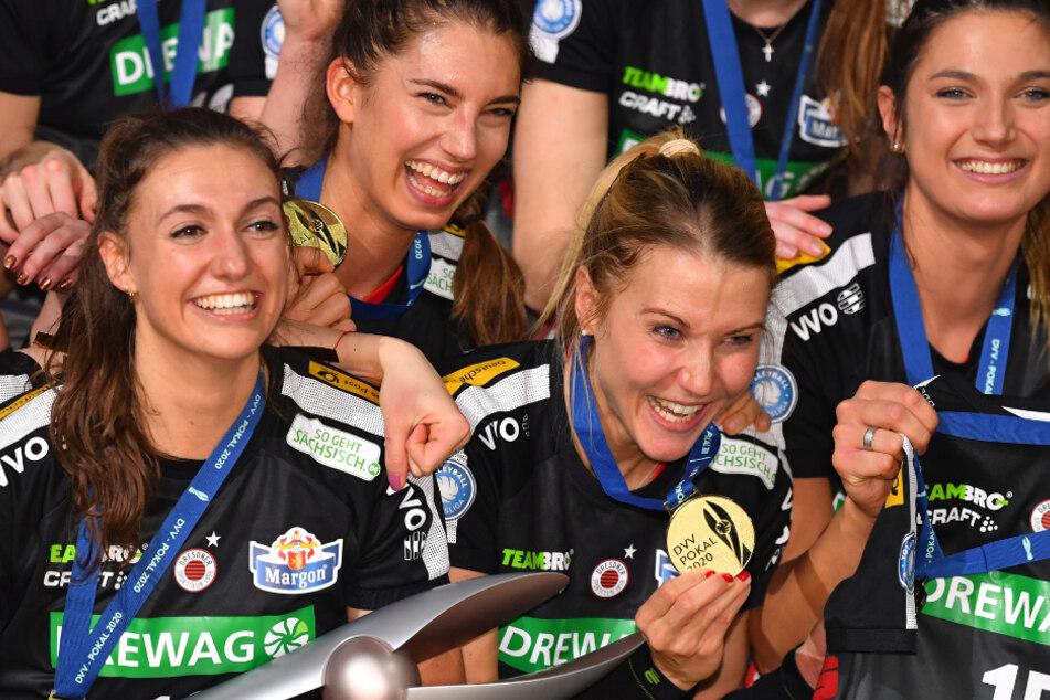Am 16. Februar erkämpfte der DSC in Mannheim den DVV-Pokal. Als Pokalsieger richtet Dresden nun am 27. September das Supercup-Duell gegen Schwerin aus.