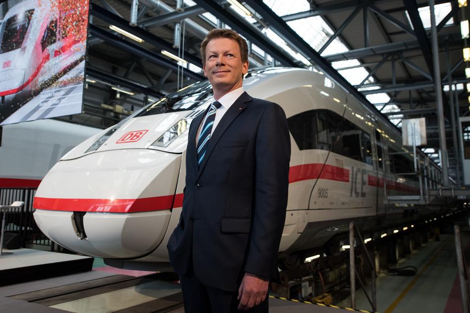 Bahnchef Richard Lutz (55) will die Leistungsfähigkeit der Eisenbahn in Deutschland substanziell steigern.
