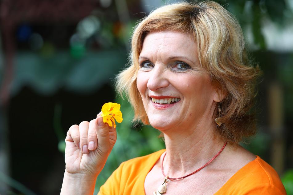 Friseurmeisterin Kati Walter (55) hat jetzt noch mehr Spaß an ihrer Arbeit.