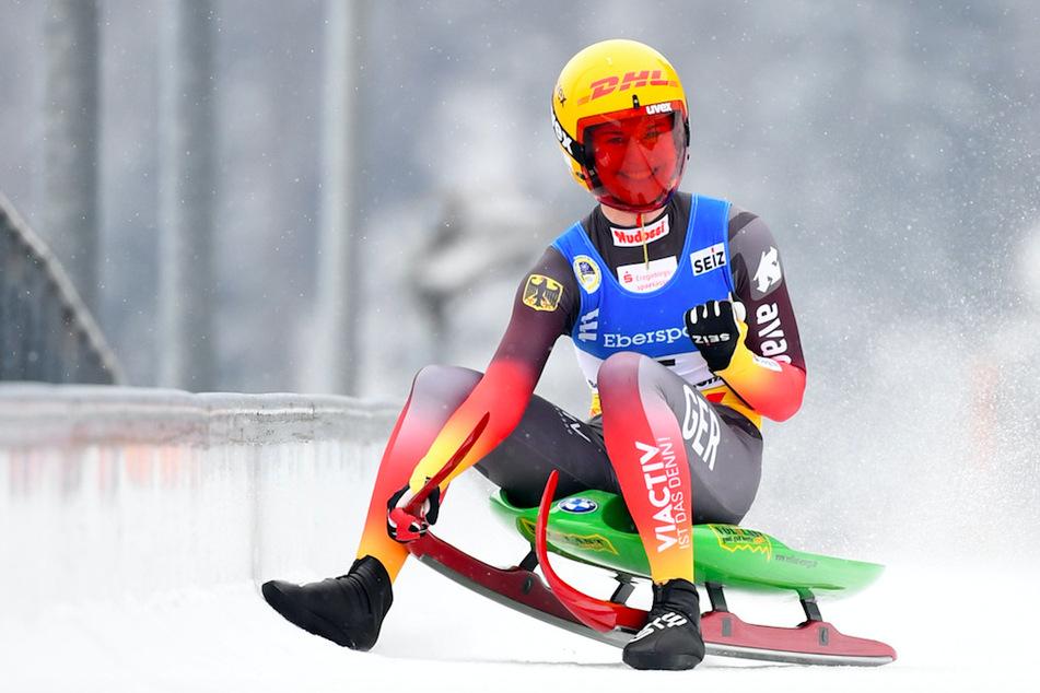 Rennrodlerin Taubitz triumphiert bei WM: Frauen-Team überragt