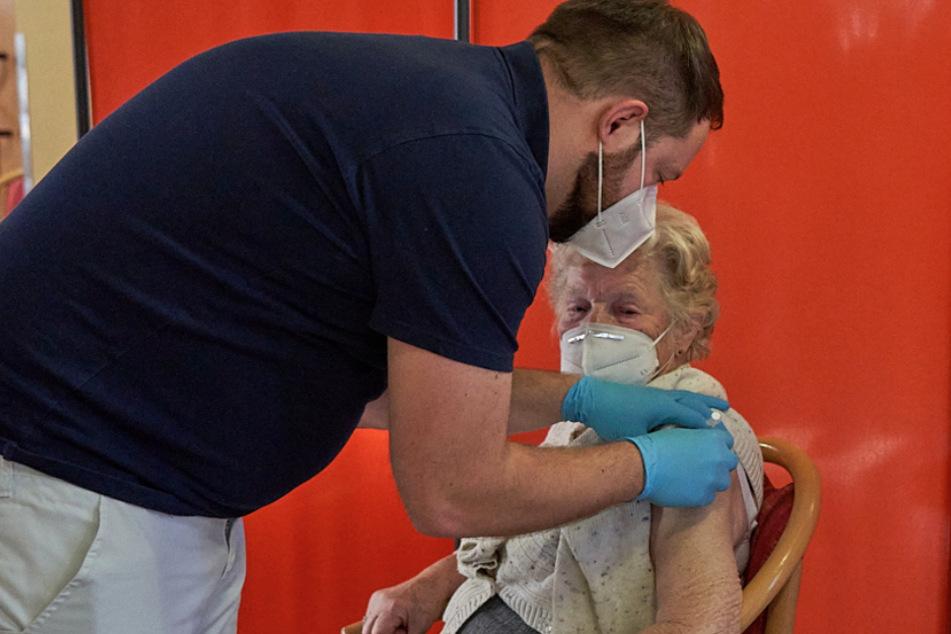 Dringende Hilfe: Mobile Impfteams ab jetzt auf Tour in Chemnitz