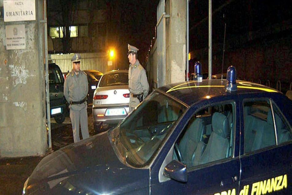 Beamte der italienischen Guardia di Finanza verhafteten jetzt den Fluchthelfer Nouri E. (50).