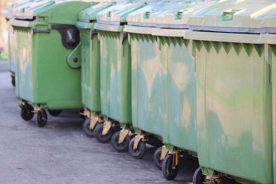 Schreckliche Tragödie: Schlafender Junge (†13) stirbt bei Leerung von Müllcontainer