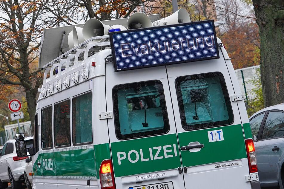 Tausende mussten ihre Wohnung verlassen: Weltkriegsbombe in Kreuzberg entschärft!
