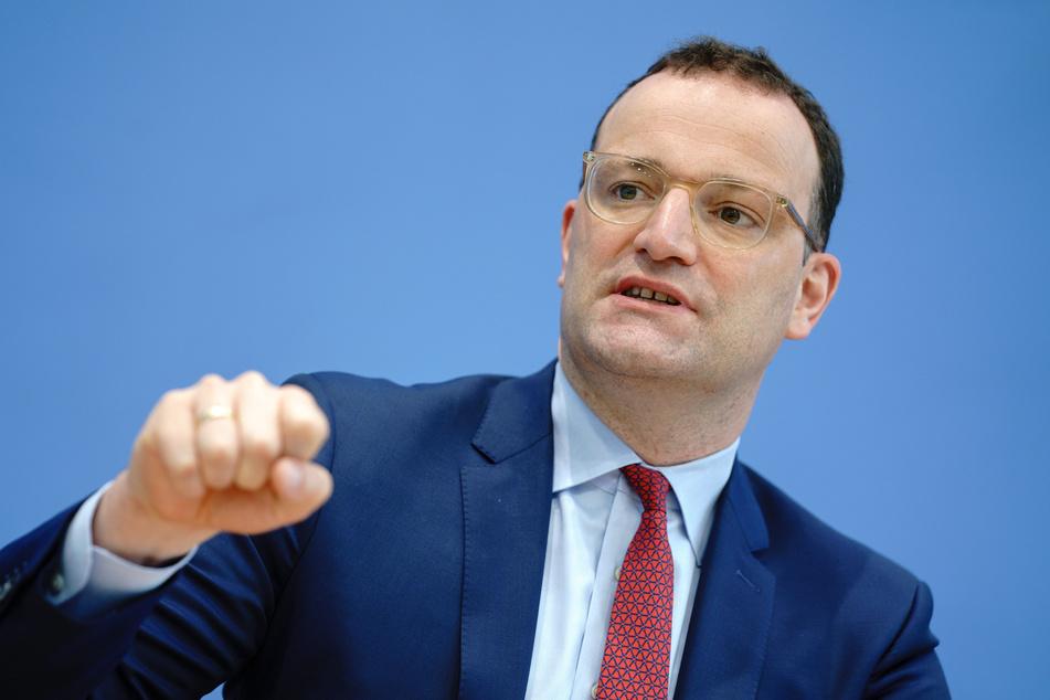Berlin: Jens Spahn (40,CDU), Bundesminister für Gesundheit, gibt eine Pressekonferenz zur aktuellen Lage in der Corona-Pandemie.