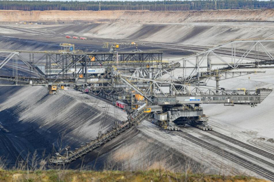 Klima-Protest: Aktivisten beenden Besetzung von Braunkohle-Tagebau Jänschwalde