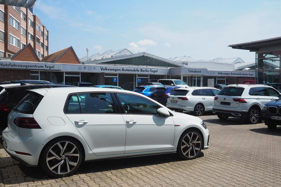 Hier werden in Berlin bis Donnerstag (30.9.) Volkswagen mega günstig ab Hof verkauft