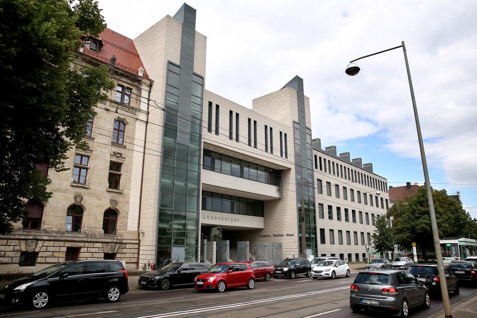Prozess gegen mutmaßliche Drogendealer: Internationale Ermittler sollen Duo ertappt haben