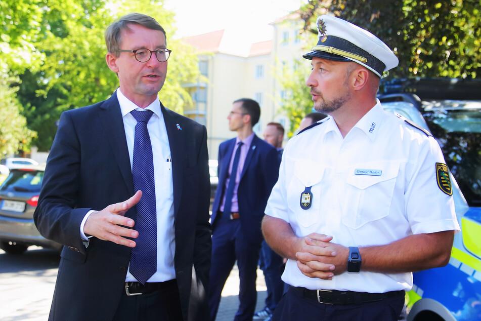 """Innenminister Roland Wöller (49, CDU) will verhindern, dass Rechtsextremisten die Stimmung bei den """"Corona-Protesten"""" ausnutzen. Der Verfassungsschutz soll tätig werden."""