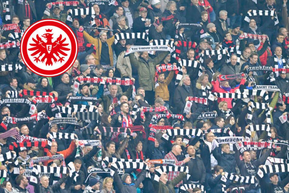 Fan-Gesänge der Fans von Eintracht Frankfurt im Stadion zu hören
