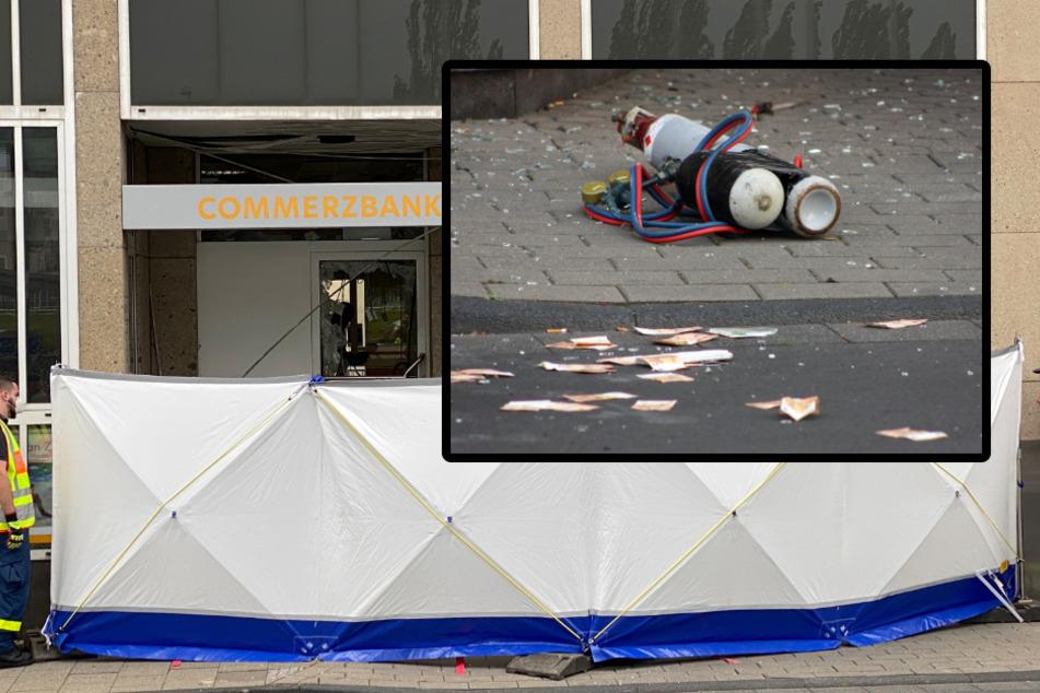 Bewaffnete Diebe sprengen Bank: Geld und Gasflaschen liegen am Tatort!