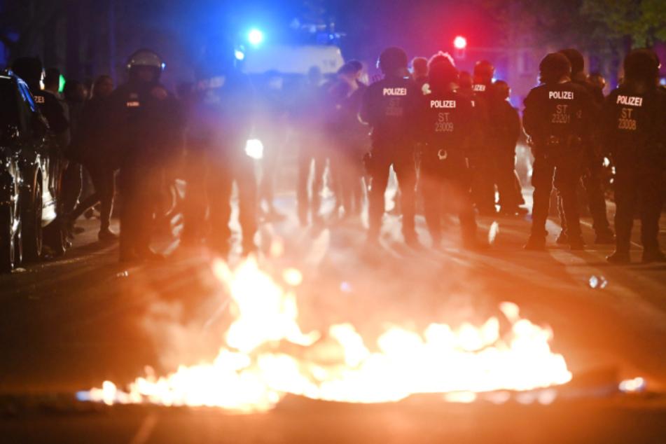 Bilanz zum 1. Mai: Gewerkschafter, Linke, Rechte und Corona-Kritiker auf den Straßen - Krawalle in Berlin
