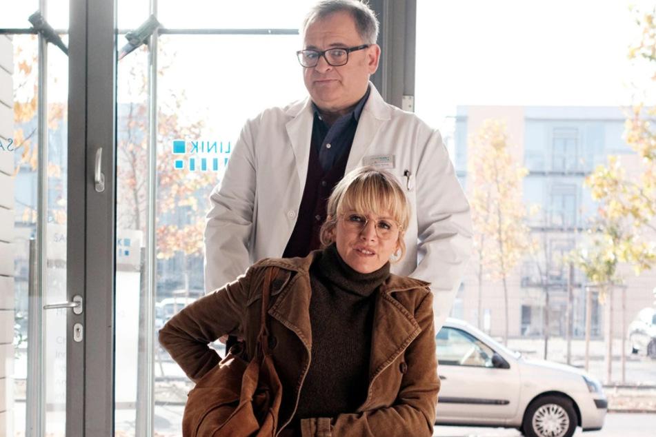 Hans-Peter Brenner trifft auf seine alte Ausbilderin Dr. Sylvia Jessel. Die Begegnung ist ihm mehr als unangenehm.
