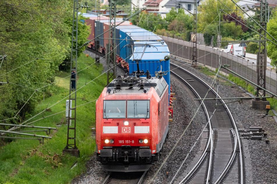 Der Mann war mit seinem Zug von Harburg bis Heilbronn gefahren. (Symbolbild)