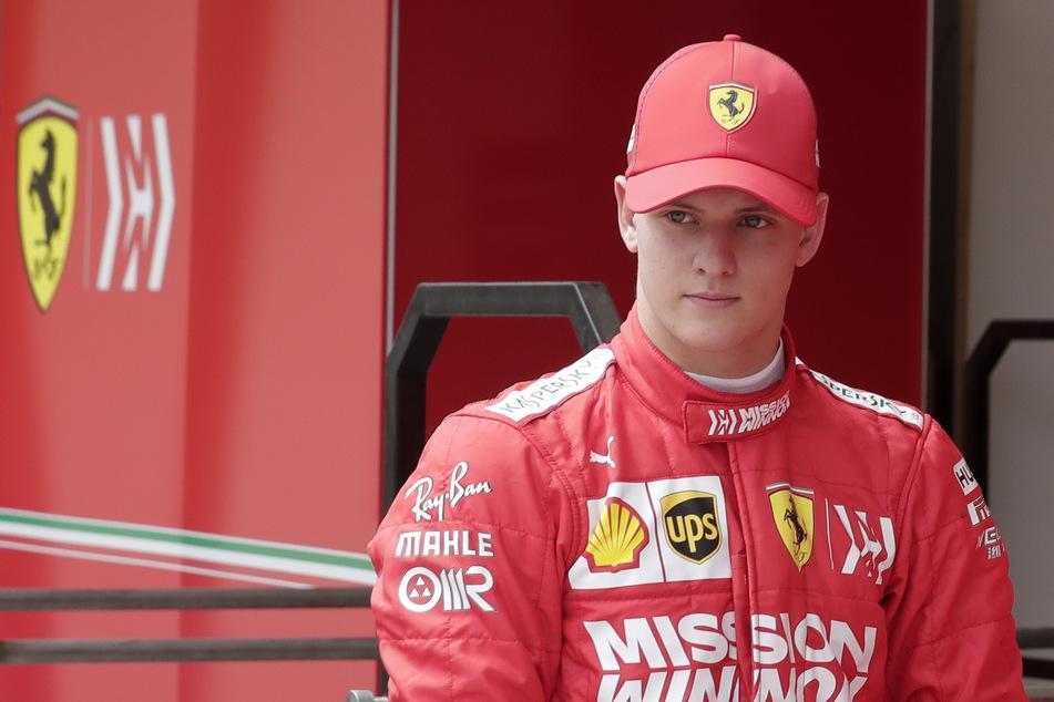 Mick Schumacher (21) hat den, zumindest im Rennsport, deutlich prominenteren Namen. Seinem Kollegen ist dies allerdings egal.