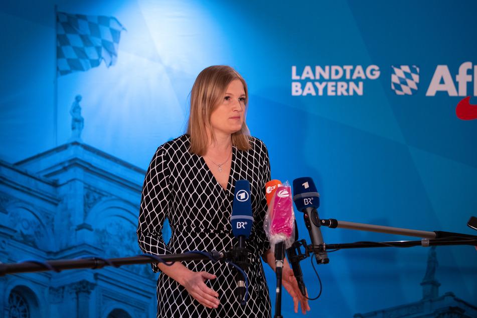 """Katrin Ebner-Steiner, die Vorsitzende der AfD-Fraktion im bayerischen Landtag, nennt einige Corona-Maßnahmen """"irrsinnig""""."""
