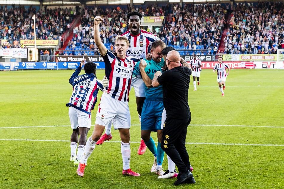 John Yeboah (21, l.), Kwasi Okyere Wriedt (27, o.) und Timo Wellenreuther (25, 3.v.r., v.) sind drei von sechs deutschen Spielern bei Willem II Tilburg.