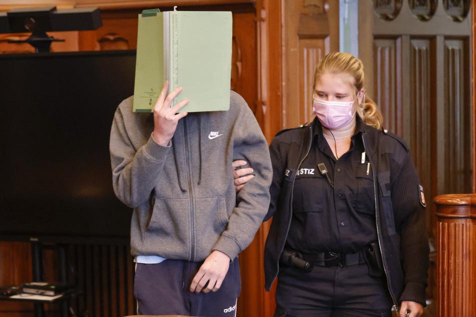 Der 20-Jährige steht vermutlich bis in den November vor Gericht.
