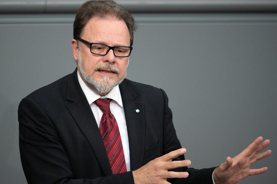 CDU-Bundestagsabgeordneter Frank Heinrich (57) unterstützt die Bahninitiative in Chemnitz.