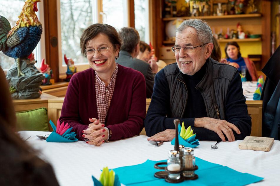Alexander Van der Bellen und seine Frau Doris Schmidauer.