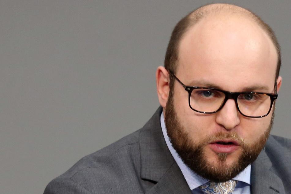 AfD als Verdachtsfall: Landes-Vize Frohnmaier fordert Rücktritt von Chef des Verfassungsschutzes