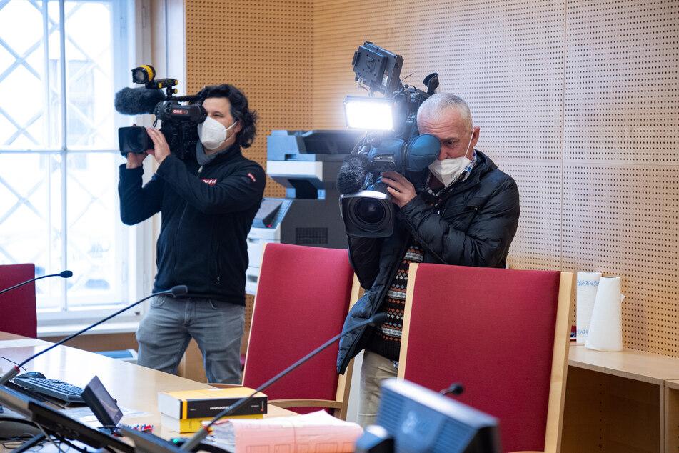Zahlreiche Journalisten waren zu dem Prozess gegen den Welfenprinzen erschienen.