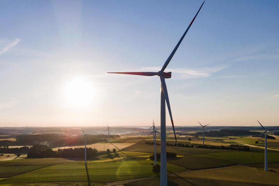 Gerade erst festgestellt: Windkraft ist in Deutschland auf Platz 2 verdrängt worden. (Symbolbild)