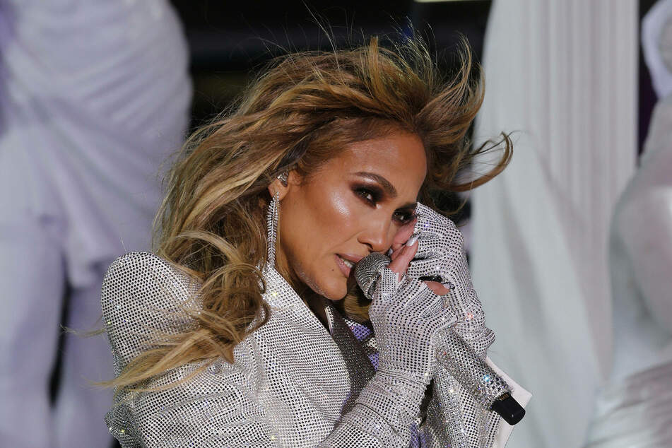 J.Lo's new Instagram post is raking in the likes, and it's easy to see why