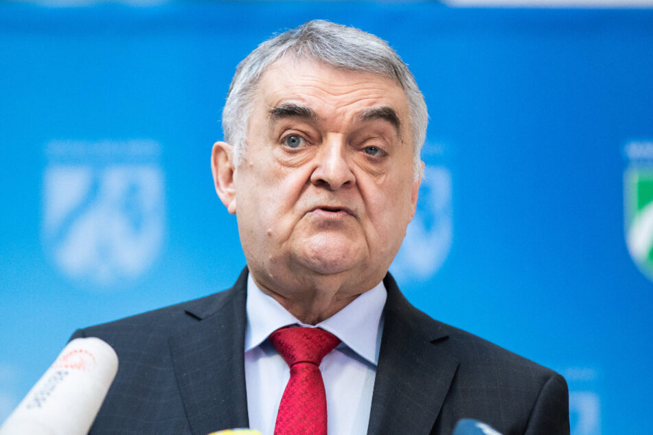 Nordrhein-Westfalens Innenminister Herbert Reul (67, CDU).